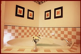 Sweetheart Room's Whirlpool Tub