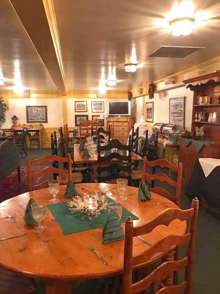 '6 House Pub Tables