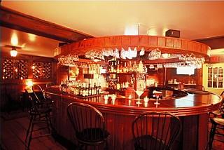 '6 House Pub
